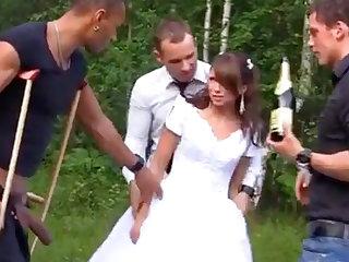 Russian china luvs an bi-racial group-poke outdoors